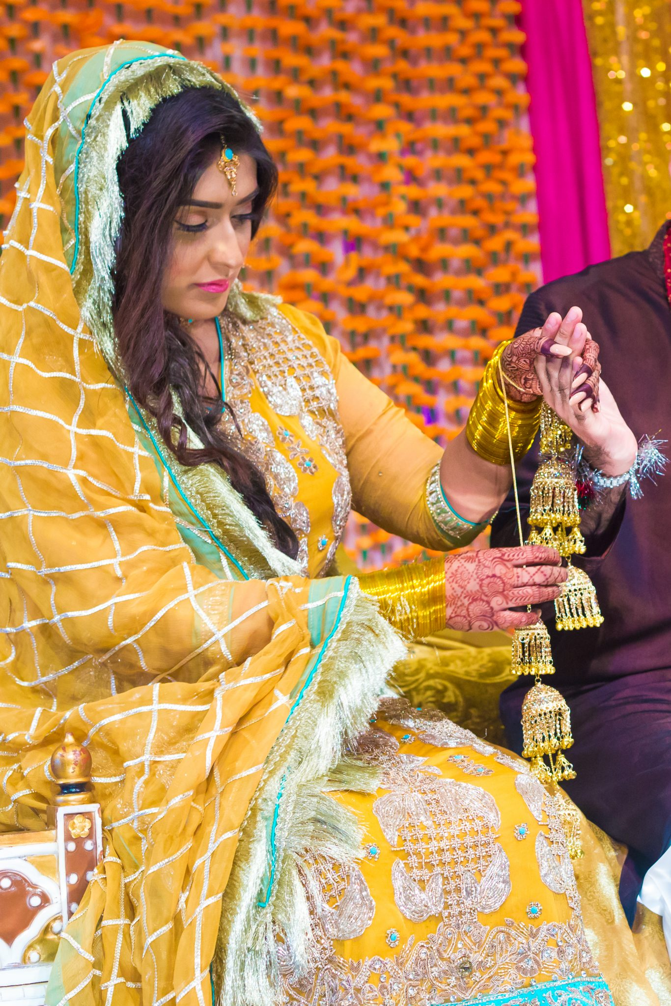 En mehndi-brud i et klassisk pakistansk bryllup